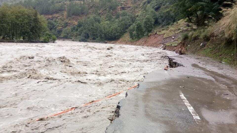 A road washed away on the way to Manali